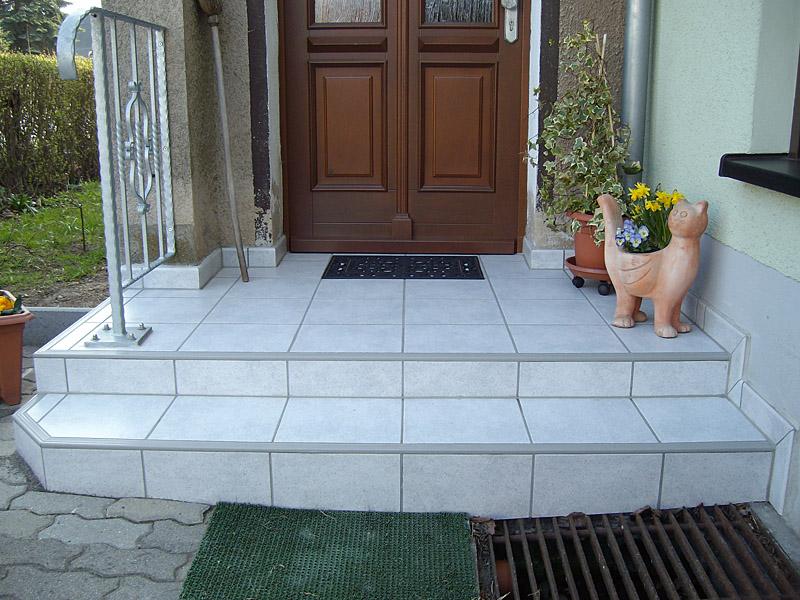 Fliesenlegearbeiten für Bad, Kamin, Wohnbereich, Treppen, Terrassen ...